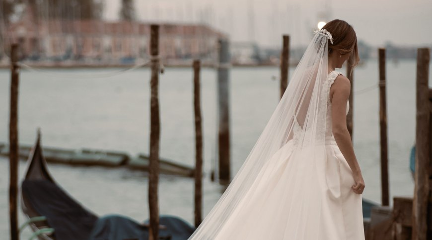 """Choose to say """"Yes"""" in Venice, among celebrity weddings and hidden beauties."""